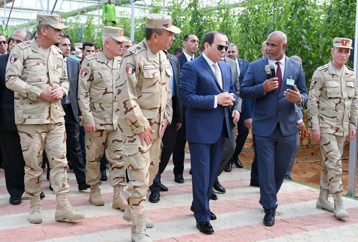 Egyptian President Abdel Fatah al-Sisi (C) inaugurates a military agricultural project, December 22, 2018 (REUTERS)
