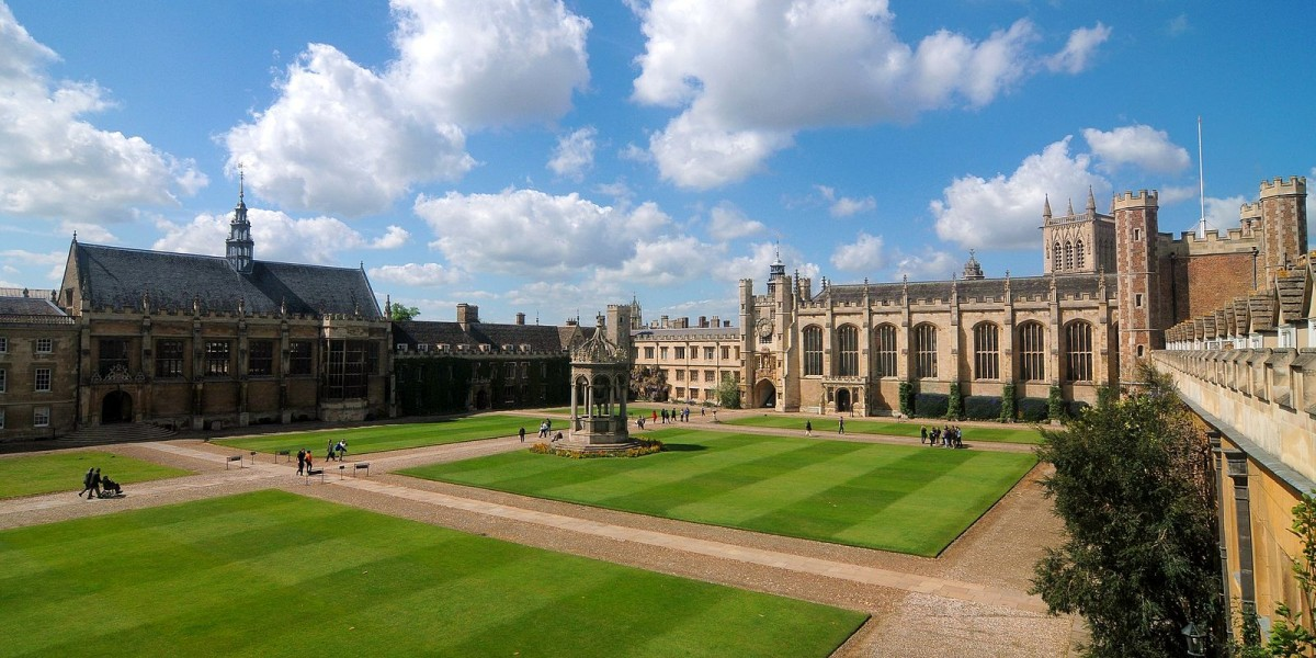 The four-fold design can be seen in the quadrangles of the Cambridge university colleges (Creative Commons/Cmglee)