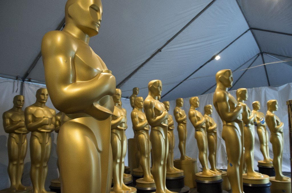 Oscar statues await cleaning and painting ahead of the 89th Annual Academy Awards in Hollywood (AFP)
